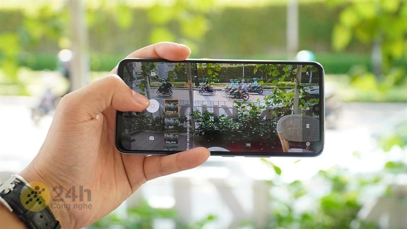 Màn hình của Vivo V21 5G cho hiển thị rất đẹp