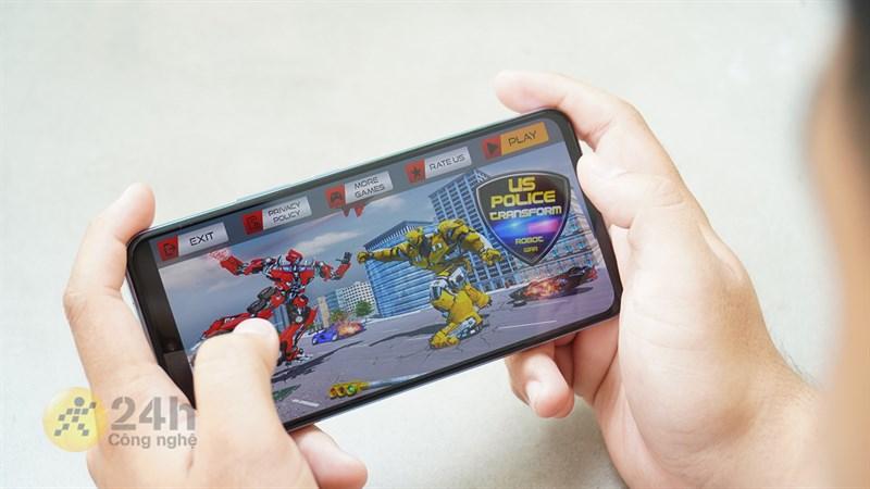 Với viên pin 4.000 mAh, Vivo V21 5G mang đến cho chúng ta thời lượng sử dụng vô cùng ấn tượng