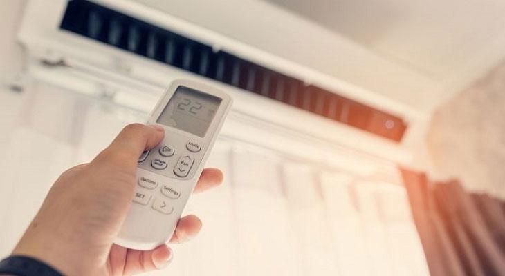 Tăng - giảm nhiệt độ máy lạnh liên tục
