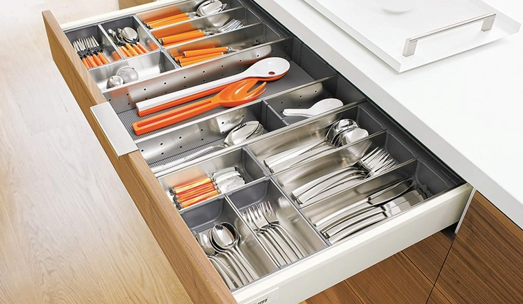 Top 6 thương hiệu khay chia ngăn kéo cao cấp giúp bếp gọn gàng