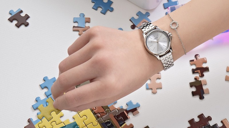 Mở bán đồng hồ thời trang Esprit