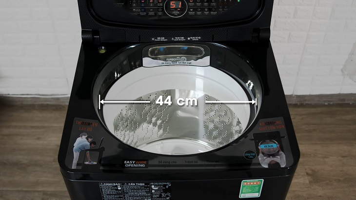 Lồng giặt của Panasonic Inverter NA-FD10VR1BV có đường kính lớn 44cm