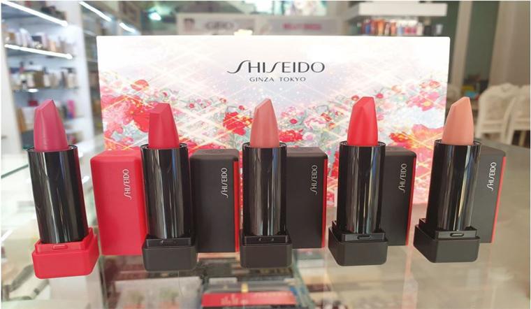 Chi tiết bộ set son lì kết cấu bột phấn Shiseido ModernMatte Powder Lipstick