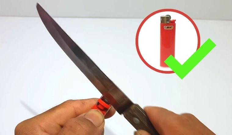 Mẹo độc đáo tận dụng hộp quẹt cũ để mài dao vừa nhanh vừa rất bén