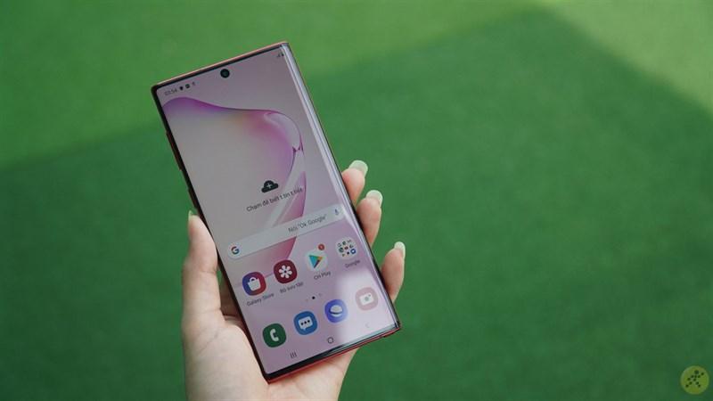 Samsung Galaxy Note 10 được trang bị tấm nền Dynamic AMOLED với kích thước 6.3 inch