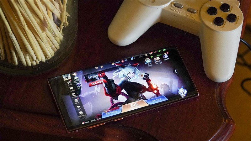 Mình khá thích sử dụng Samsung Galaxy Note 10 để chơi game, xem phim hay lướt Facebook