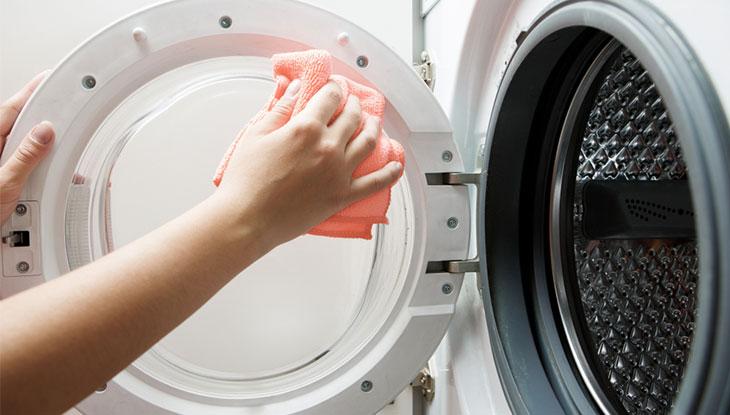 Vệ sinh máy giặt định kỳ