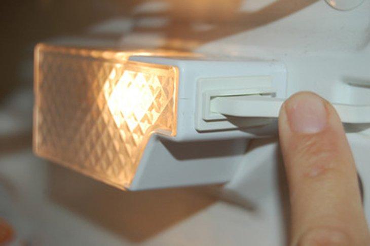 Đèn tủ lạnh mini không sáng