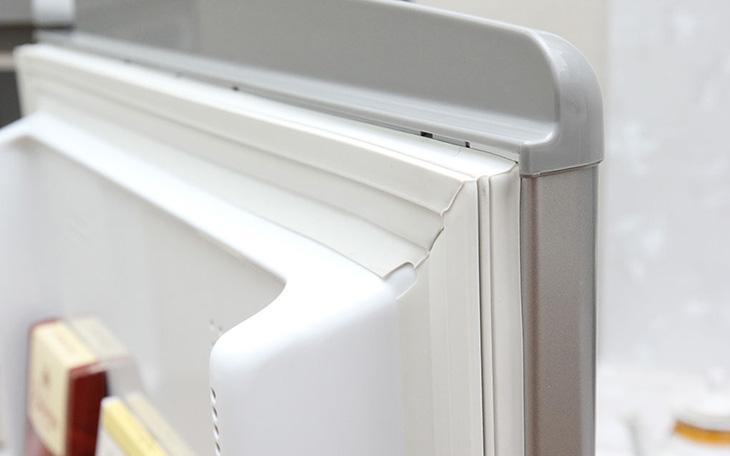 Kiểm tra cửa tủ lạnh