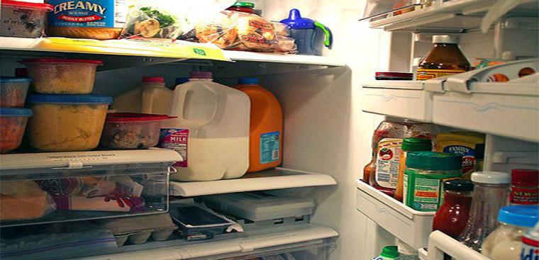 Tủ lạnh bị bẩn lâu ngày