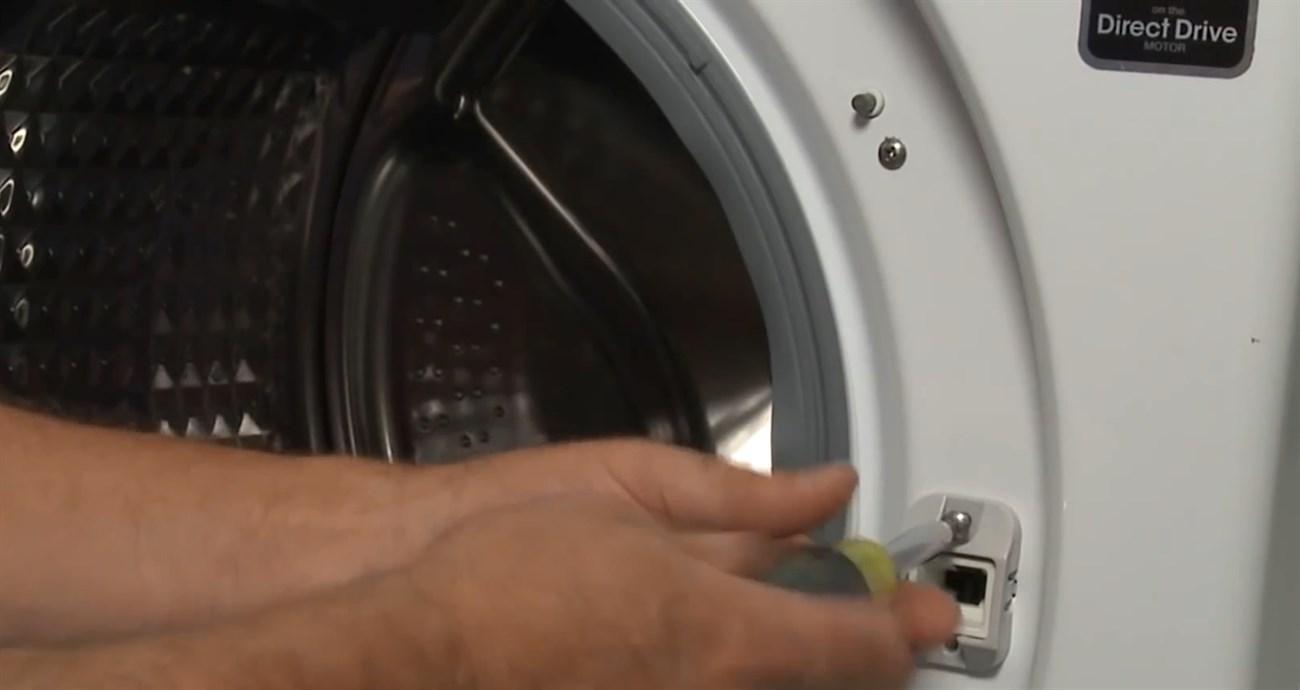 Máy giặt bị hỏng công tắc cửa
