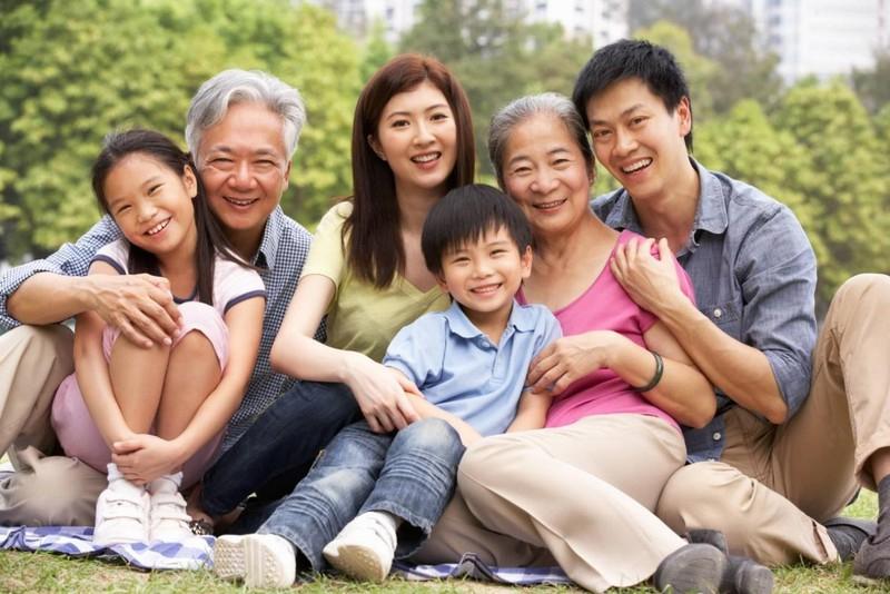 Hình ảnh đại gia đình quây quần bên nhau