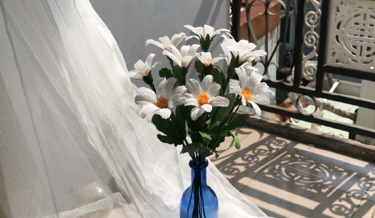 Cách làm hoa cúc họa mi bằng giấy nhún