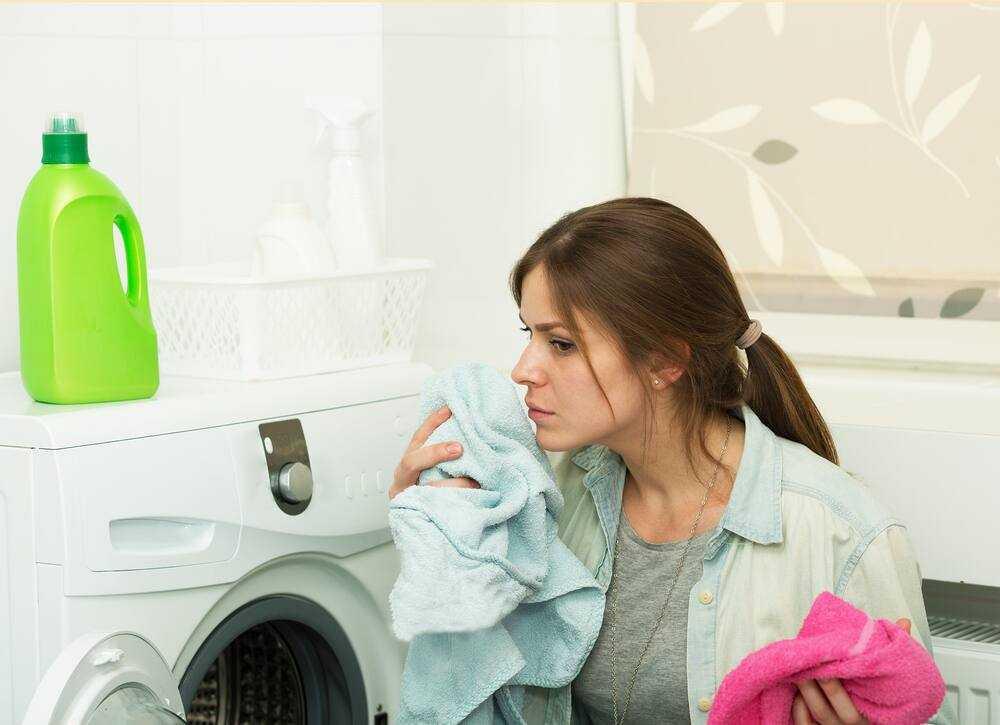 Nguyên nhân máy sấy quần áo có mùi hôi