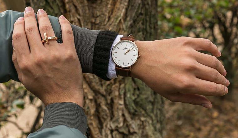 Các cách đeo đồng hồ đúng chuẩn và đẹp