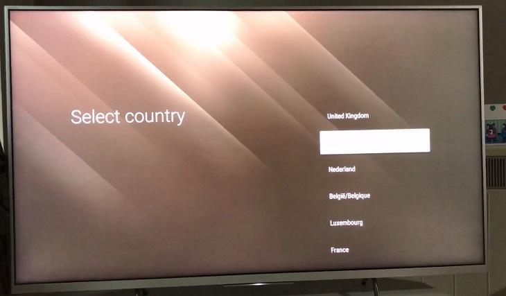 Đặt tên cho tivi (nếu có) và chọn quốc gia