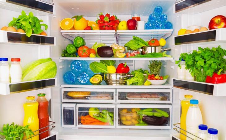 sắp xếp hợp lý đồ dung trong tủ lạnh