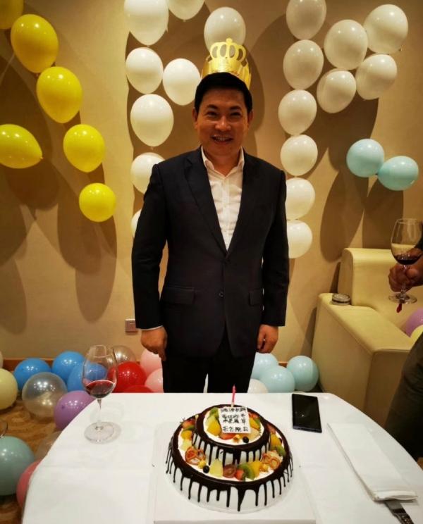 CEO Yu Chengdong tại buổi tiệc ăn mừng thành công của HarmonyOS 2