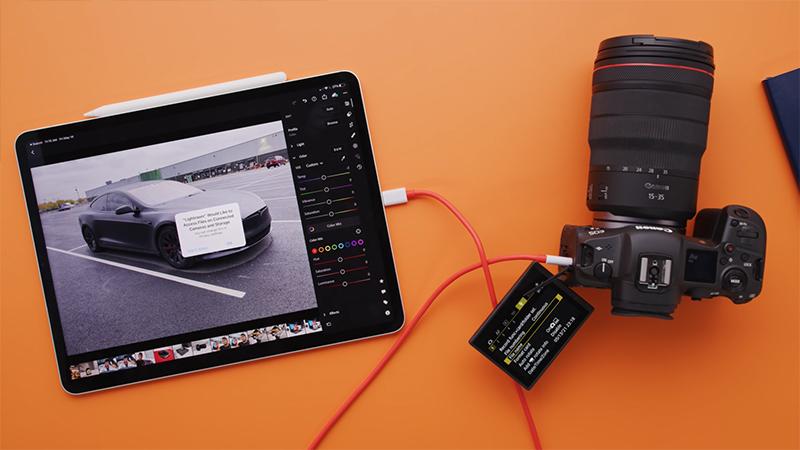 Với cổng sạc USB - C, công nghệ thunderbolt giúp iPad Pro M1 mở rộng khả năng kết nối với các thiết bị ngoại vi