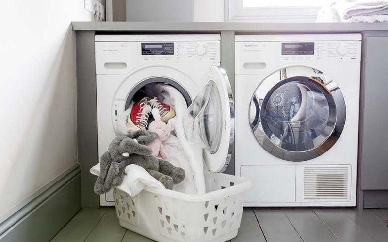 Không nên để quần áo quá dơ rồi mới đem đi giặt
