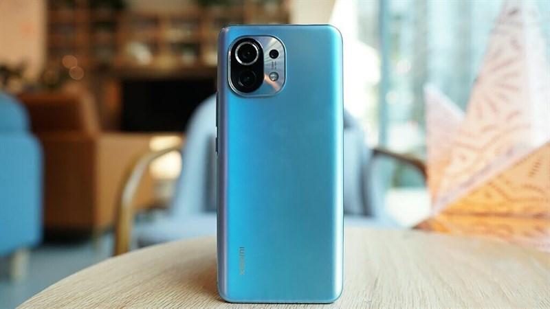 Trợ giá ngon tặng người Sài Gòn: Xiaomi Mi 11 5G giảm sốc tháng 6