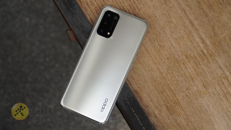 OPPO A74 5G trắng siêu sang trọng