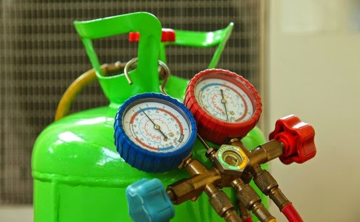 Nạp gas cho tủ đông