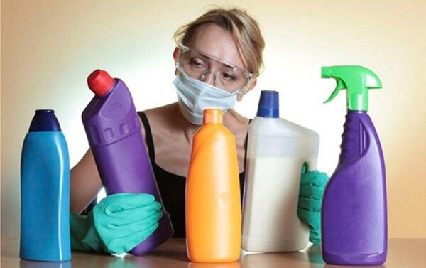 Mẹo sử dụng chất tẩy rửa trung tính để vệ sinh tủ đông