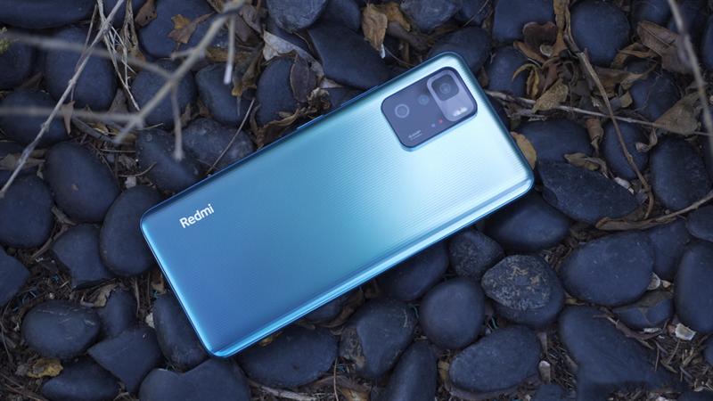 Redmi Note 10 Pro 5G không có thay đổi đáng kể nào về ngoại hình so với bản 4G. Nguồn: Gizmochina.