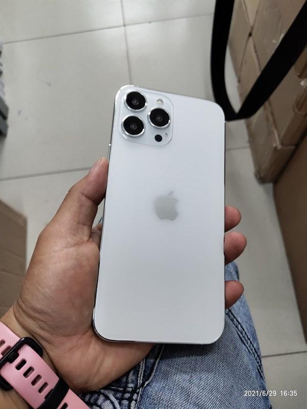 Hình ảnh thực tế rõ nét của dòng iPhone 13, giống bản thật đến 95%