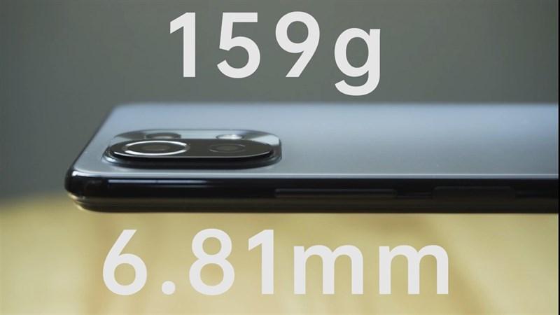 Xiaomi Mi 11 Lite 5G có độ dày chỉ khoảng 6.81 mm và khối lượng là 159 g. (Nguồn: Gizmochina).