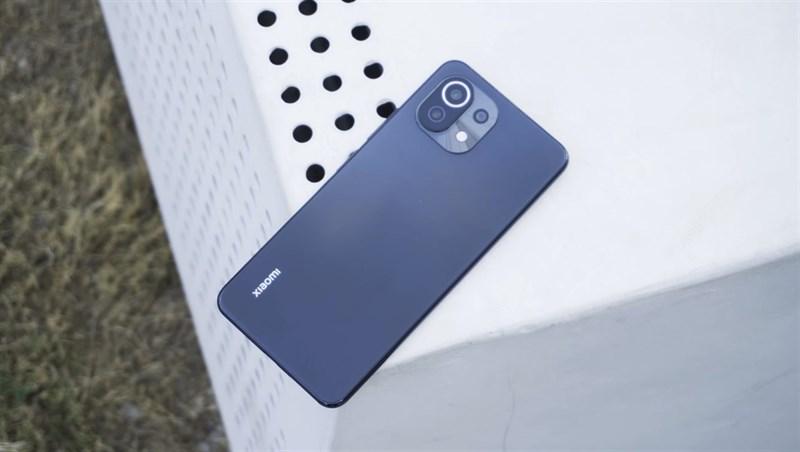 Thiết kế tổng thể của Xiaomi Mi 11 Lite 5G. (Nguồn: Gizmochina).
