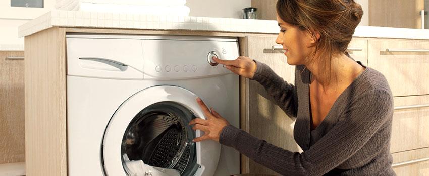 Nhấn nút để bắt đầu giặt