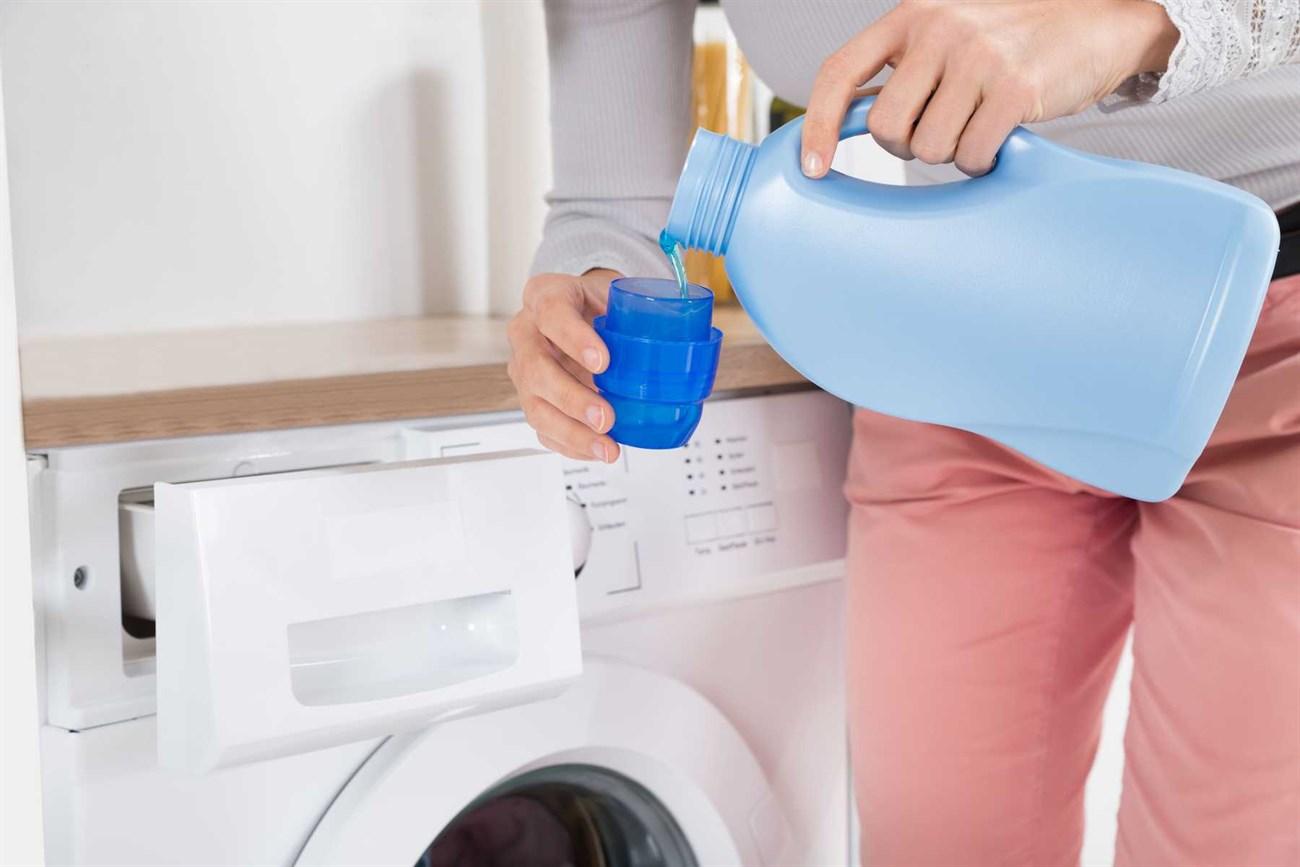Lựa chọn nước giặt phù hợp với máy giặt cửa ngang