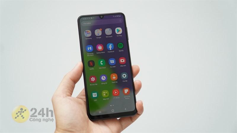 Galaxy A22 sở hữu màn hình 6.4 inch, độ phân giải HD+ cùng tốc độ làm tươi 90 Hz.