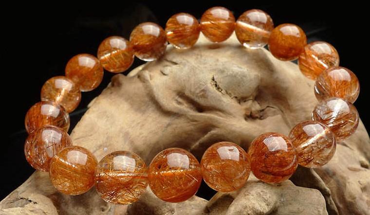Top 10 mẫu vòng đá phong thủy mệnh Hỏa đẹp mang may mắn đến với gia chủ