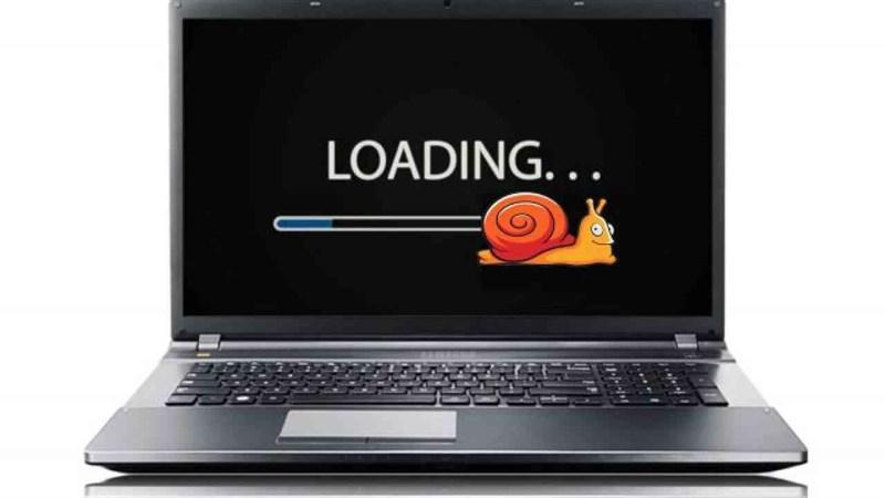 Sự tích tụ bụi bẩn sẽ gây ảnh hưởng đến khả năng hoạt động của laptop.