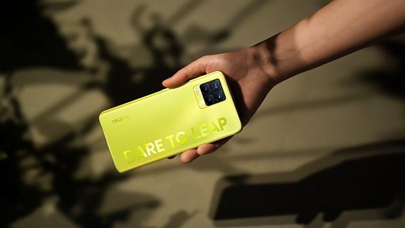 Săn sale cuối tuần đê mê: Loạt điện thoại Realme giảm giá cực phê