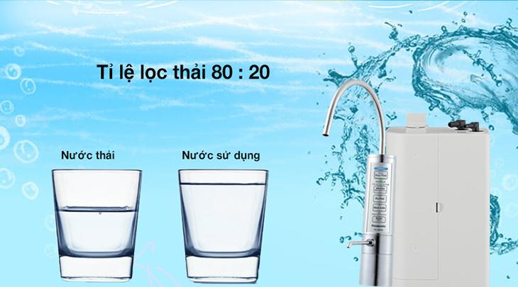 Máy lọc Panasonic tiết kiệm nước với tỷ lệ lọc thải 8:2.