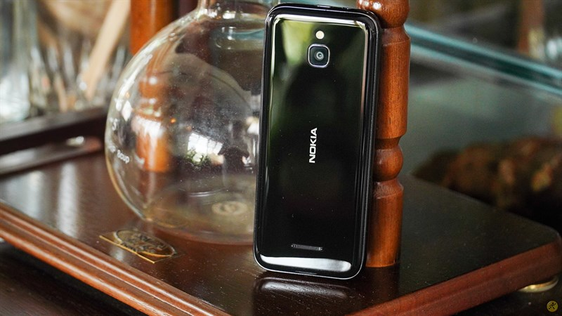 Nokia 8000 4G cũ giảm giá