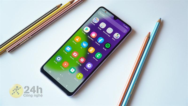 Samsung Galaxy A22 với mức giá chưa đến 6 triệu chắc chắn sẽ đáp ứng cho nhu cầu chơi game của bạn.