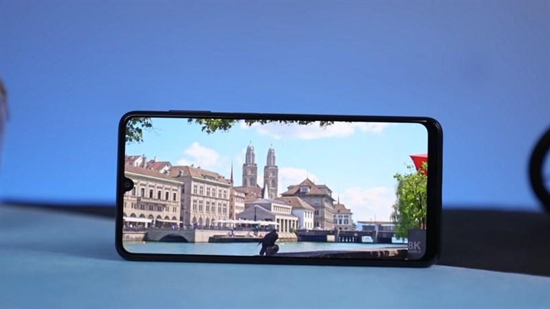 Samsung Galaxy F22 có màn hình Super AMOLED tuyệt đẹp. Nguồn: TechBar.