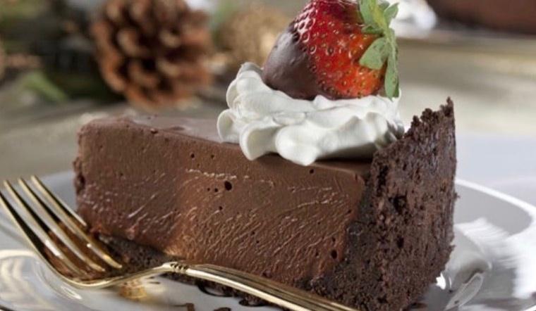 Cách làm bánh mousse socola béo mịn dễ làm cực hấp dẫn