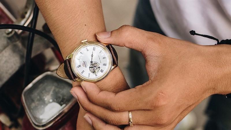 Đồng hồ thời trang Orient giảm sốc