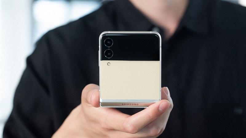Galaxy Z Flip 3 giá bao nhiêu? Dự kiến là rẻ hơn nhiều so với Z Flip