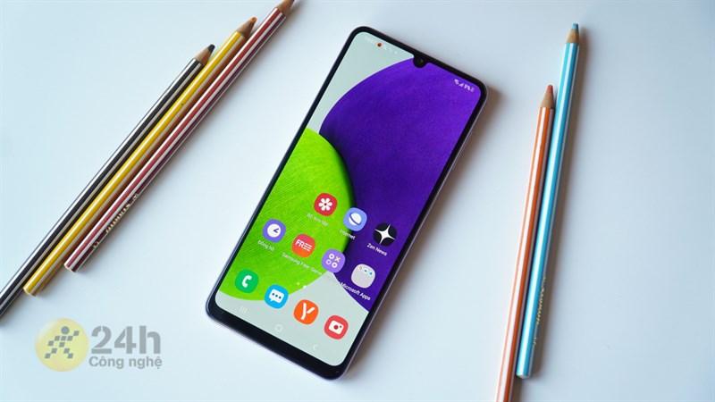 Nên mua Samsung Galaxy A31 hay Galaxy A22