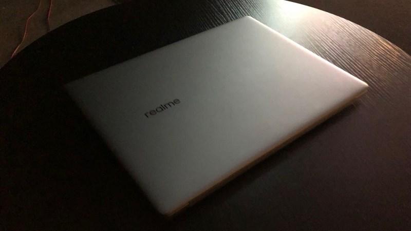Máy tính xách tay Realme Book với thiết kế giống MacBook Air được xác nhận sẽ đi kèm sạc nhanh 65W