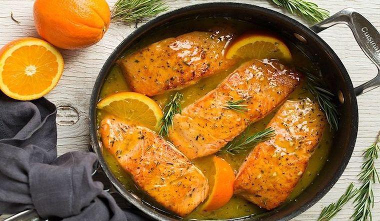 Cách làm món cá hồi sốt cam, thịt cá mềm ngọt vị thơm ngon