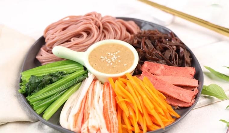 Cách làm bún gạo lứt trộn rau củ thanh cua ngon miệng, dễ làm