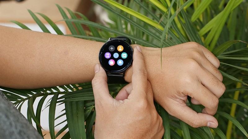 Samsung Galaxy Watch giảm sốc